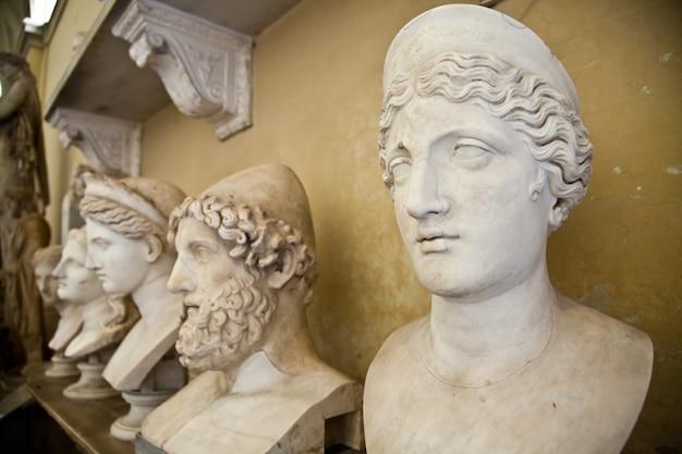 Museus do vaticano, roma, itália: coleção de estátuas