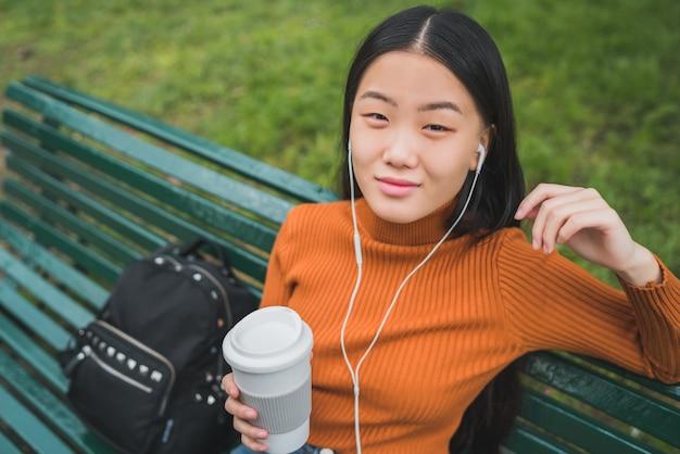 Música asiática.