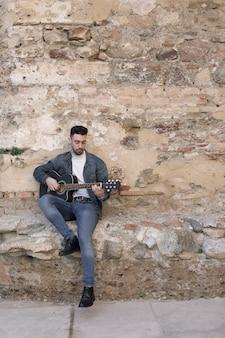 Música de guitarra ao ar livre