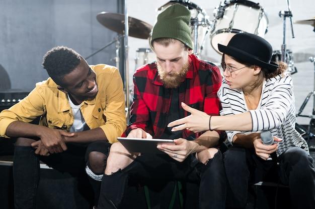 Músicos em estúdio
