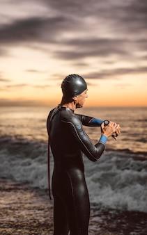 Nadador de tiro médio alongamento