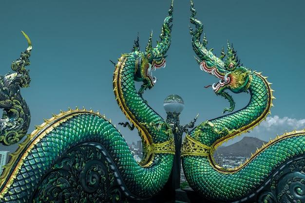 Naga, ou, serpente, estátua, em, wat khao, phra, kru, templo, chonburi, tailandia