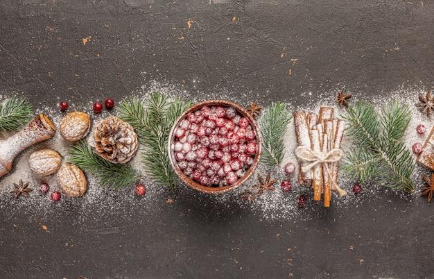 Natal, ano novo, natal, objetos perto de uma árvore de natal fofa