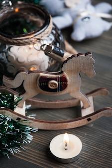 Natal, armando, com, cavalo brinquedo
