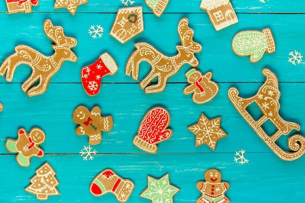 Natal com biscoitos de gengibre ornamentado.