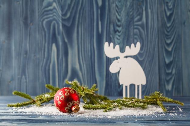 Natal, decorações do feriado, renas de madeira