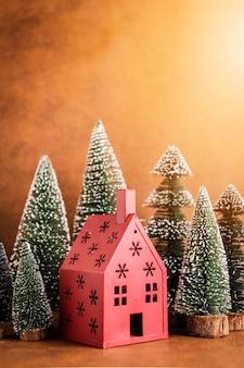 Natal e ano novo com arranjo de itens de decoração casa