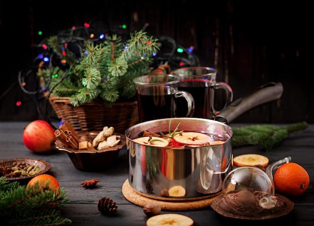 Natal mulled vinho e especiarias.