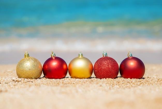 Natal na praia. viaja.