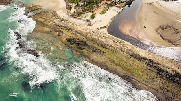 Natal, rio grande do norte, brasil - 12 de março de 2021: imagem aérea da cidade de barra do cunhaú canguaretama - rn