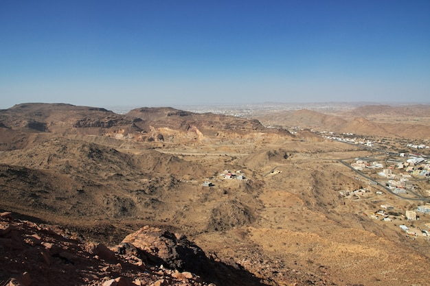 Natureza e montanhas da arábia saudita