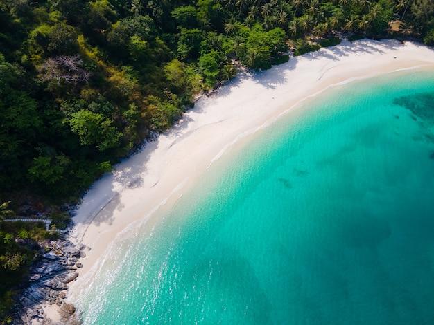 Natureza praia e mar, vista aérea