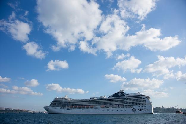 Navio de cruzeiros grande viagem