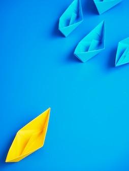 Negócio de conceito navio barco fundo azul