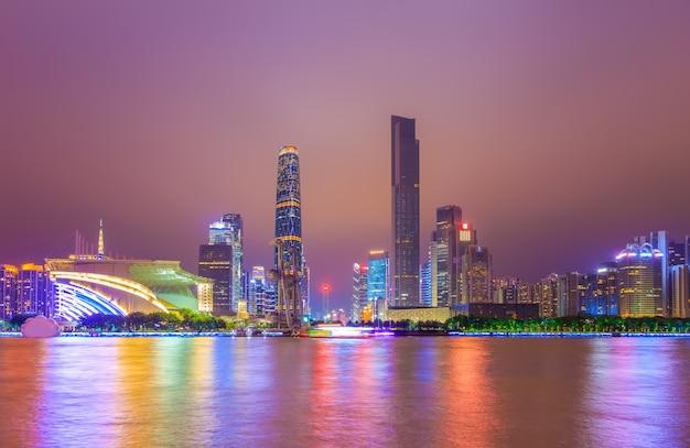 Negócio de guangzhou nuvem diurna urbana