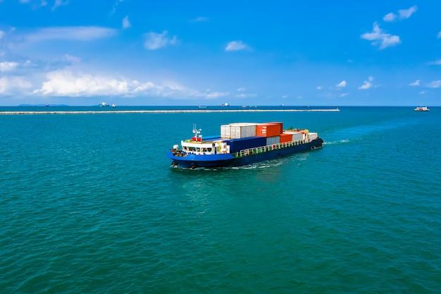 Negócio de importação e exportação de logística de carga para contêineres
