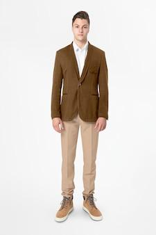 Negócios de blazer masculinos marrons usam moda de corpo inteiro