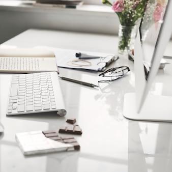 Negócios de inicialização na tela do laptop de computador