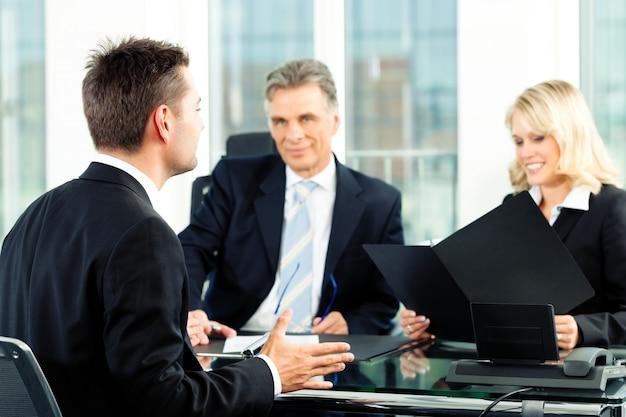 Negócios - entrevista de emprego