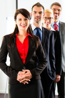 Negócios, grupo de empresários no escritório