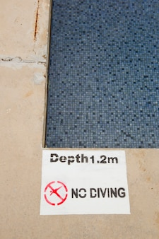 Nenhum mergulho e saltando sinal