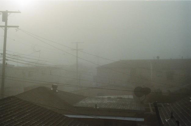 Nevoeiro em telhados