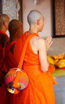 New monk, cerimônia de ordenação de monges