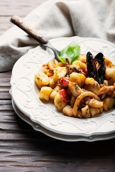 Nhoque de batata italiano com frutos do mar
