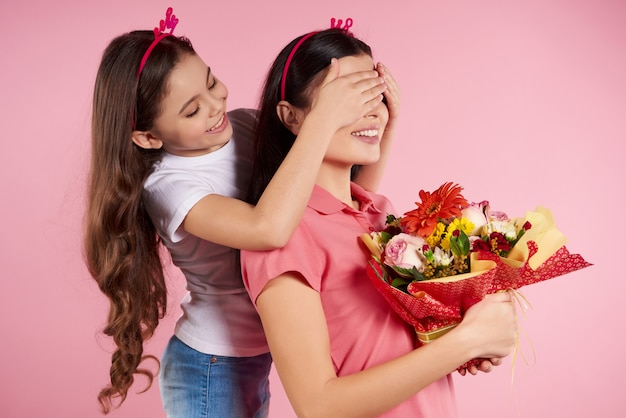 Nice little filha dá flores a bela