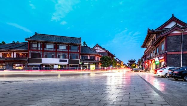 Nightscape da cidade antiga de qingzhou, província de shandong, china