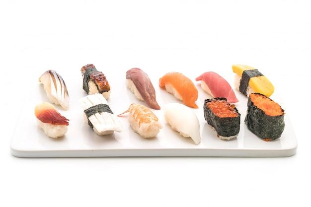 Nigiri de sushi misto - estilo de comida japonesa