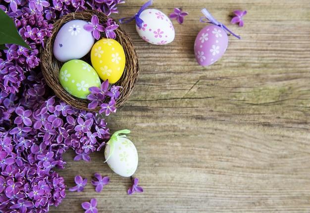 Ninho com ovos de páscoa