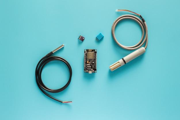 Nodemcu e todo tipo de sensor digital de temperatura e umidade à prova d'água