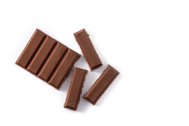 Nogado torrão de chocolate com arroz tufado para o natal isolado no fundo branco