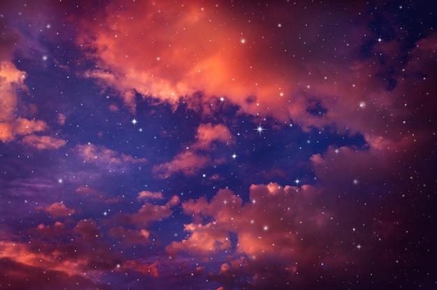 Noite com estrelas.