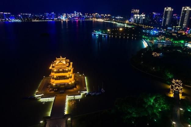 Noite do parque chinês