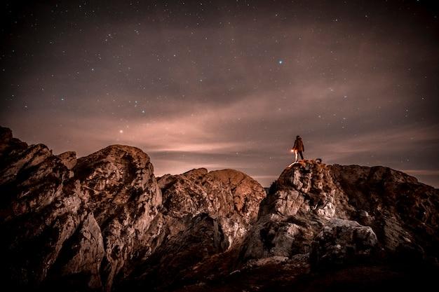 Noite no monte aiako harria em oiartzun. país basco