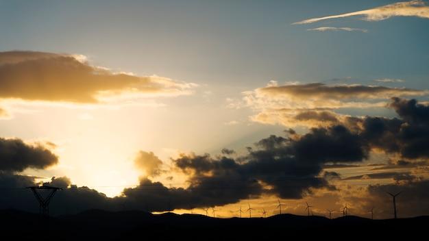 Noite pôr do sol no verão