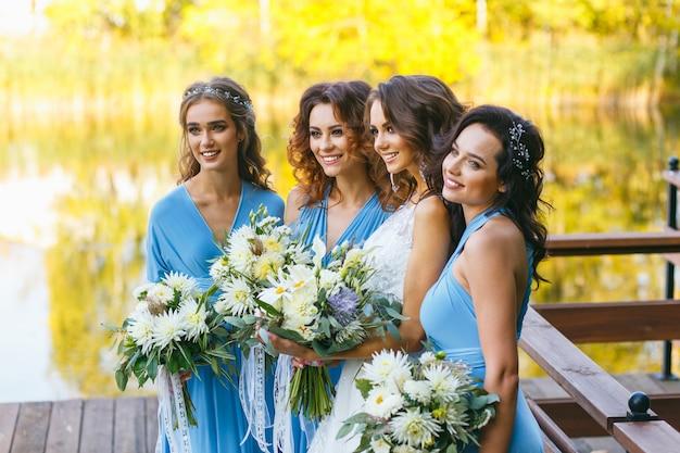 Noiva com damas de honra