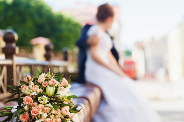 Noiva noivo, com, noiva, buquet