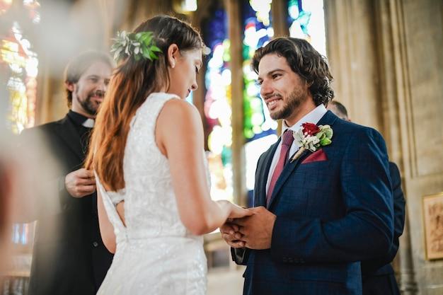Noiva noivo, em, a, altar