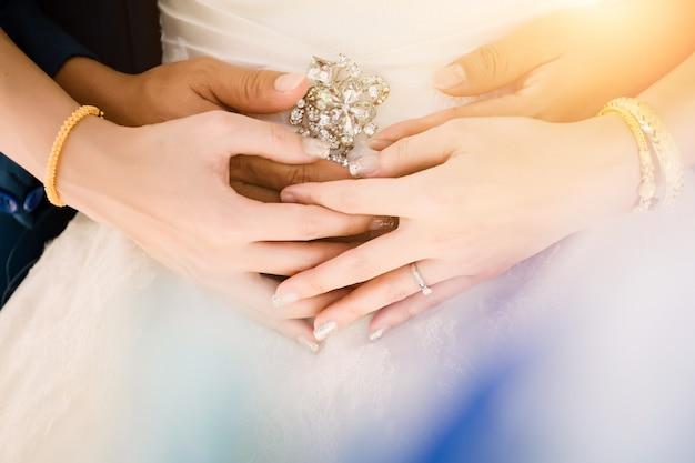Noiva noivo, em, cerimônia casamento dia