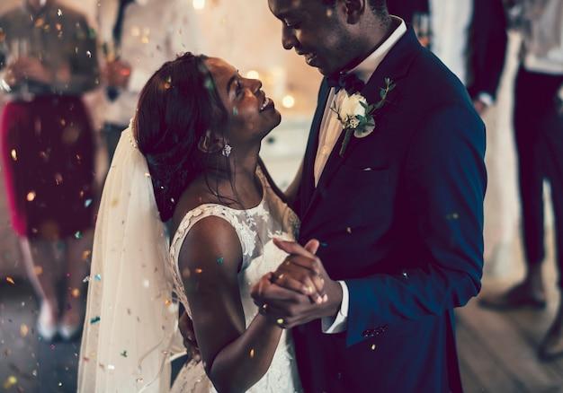 Noiva noivo, tendo, seu, primeiro, dança
