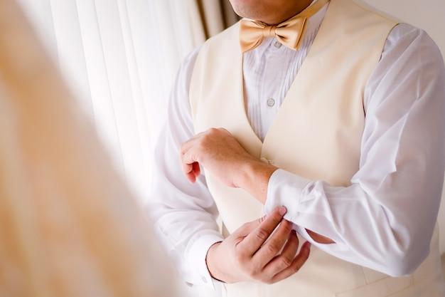 Noivo cufflink desgaste