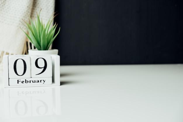 Nono dia do mês de inverno, calendário de fevereiro, com espaço de cópia.