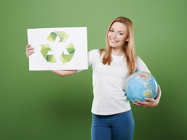 Nosso planeta precisa da sua ajuda reciclando