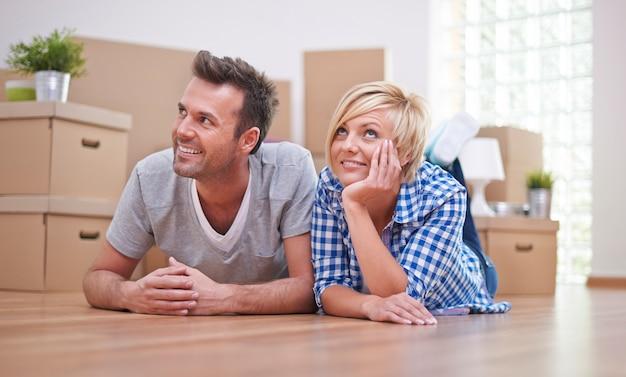 Nossos sonhos sobre o novo apartamento se tornam realidade