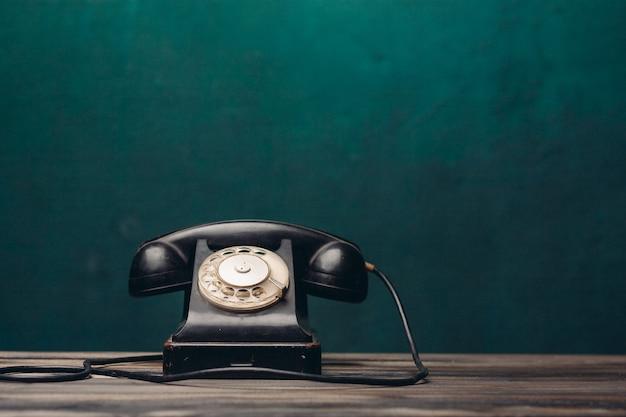 Nostalgia da tecnologia de comunicação do escritório telefônico retro preto