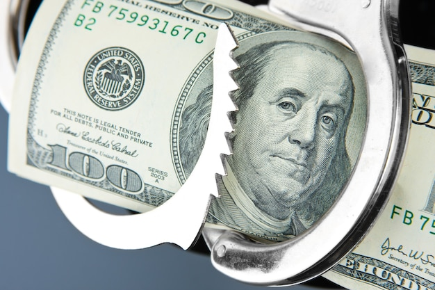 Nota de cem dólares algemada