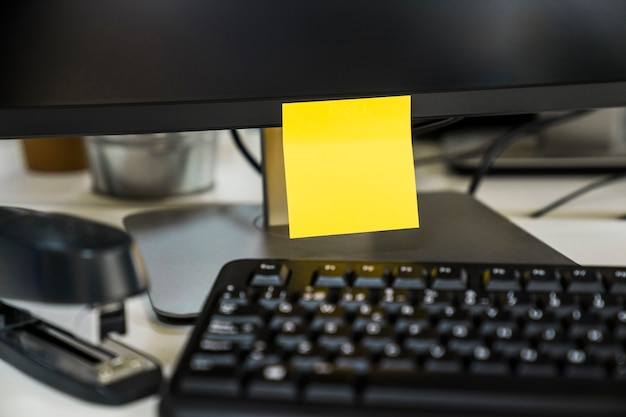 Nota fixa no escritório